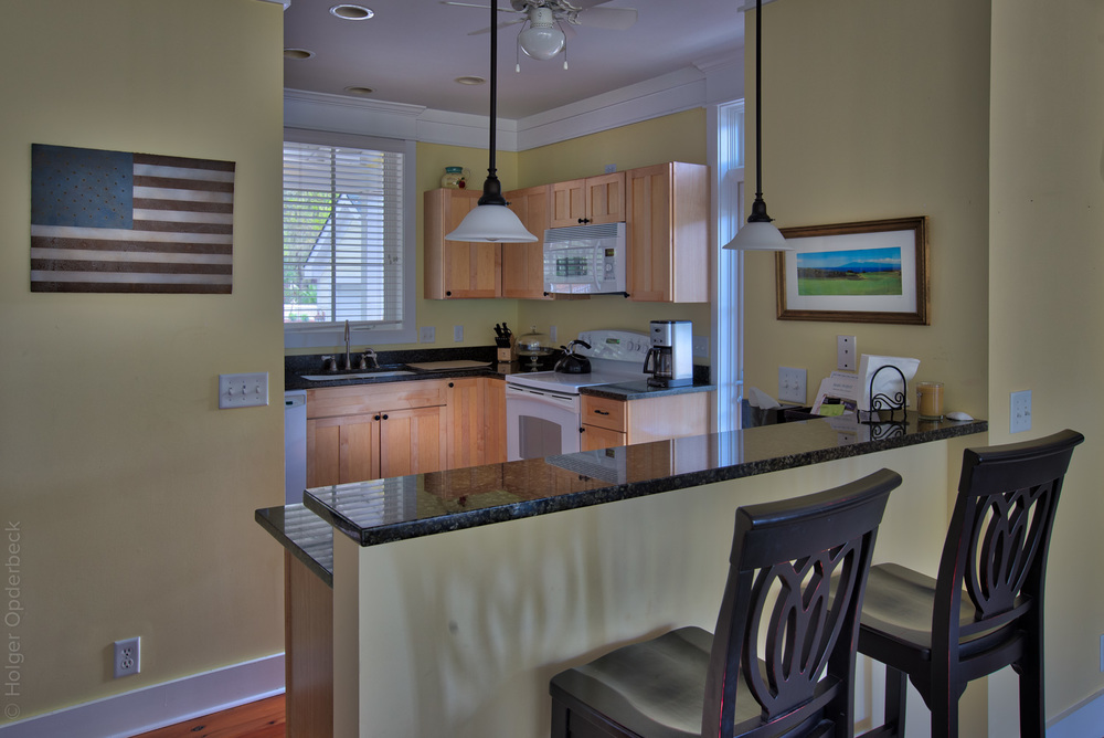 120 kitchen-bar.jpg