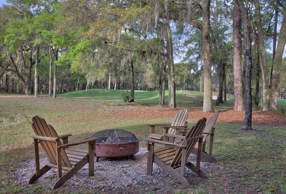 210 outdoor-sitting.jpg