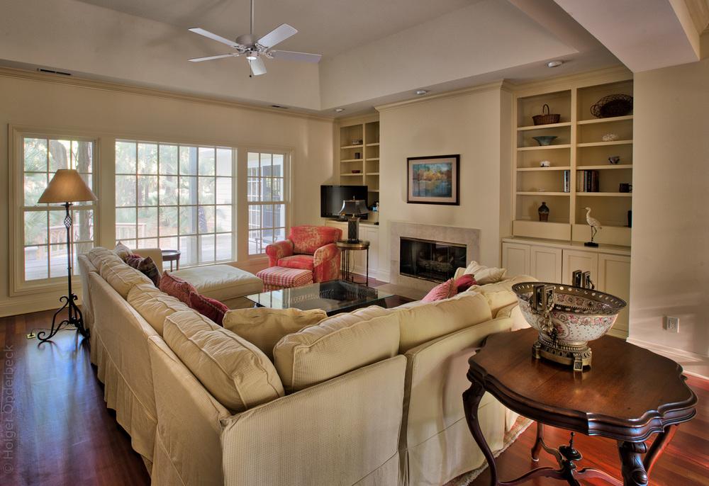 020 living-room-left.jpg