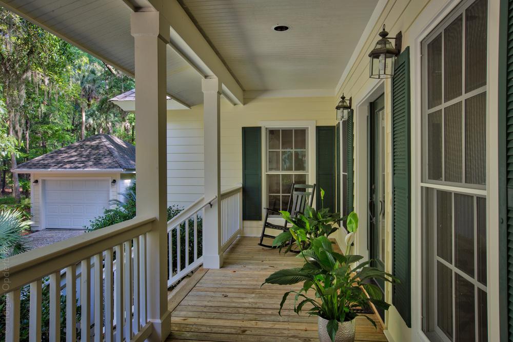 070 front-porch-garage.jpg