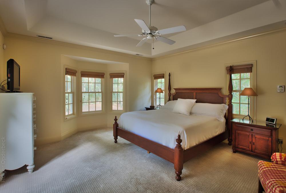 190 master-bedroom.jpg
