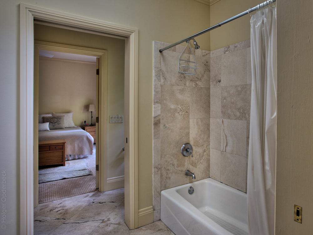 230 guest-bathroom.jpg