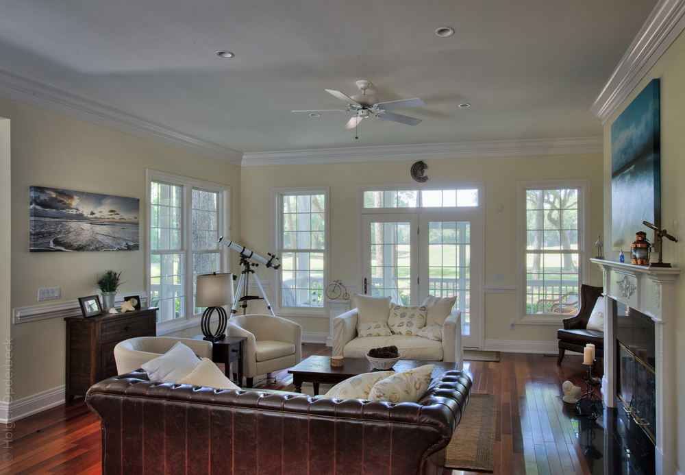 110 living-room-straight.jpg