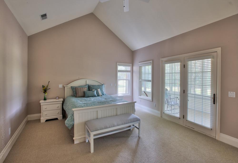 140 master-bedroom.jpg