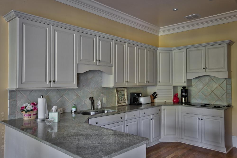 040 kitchen-sink.jpg