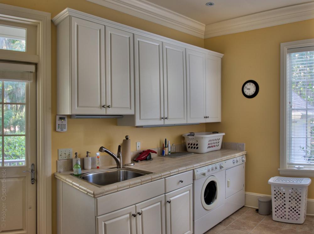 220 laundry room.jpg