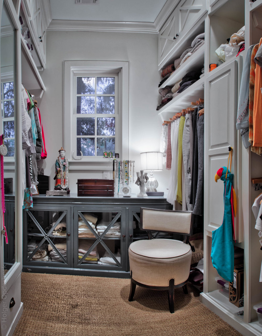 355 walk-in-closet.jpg