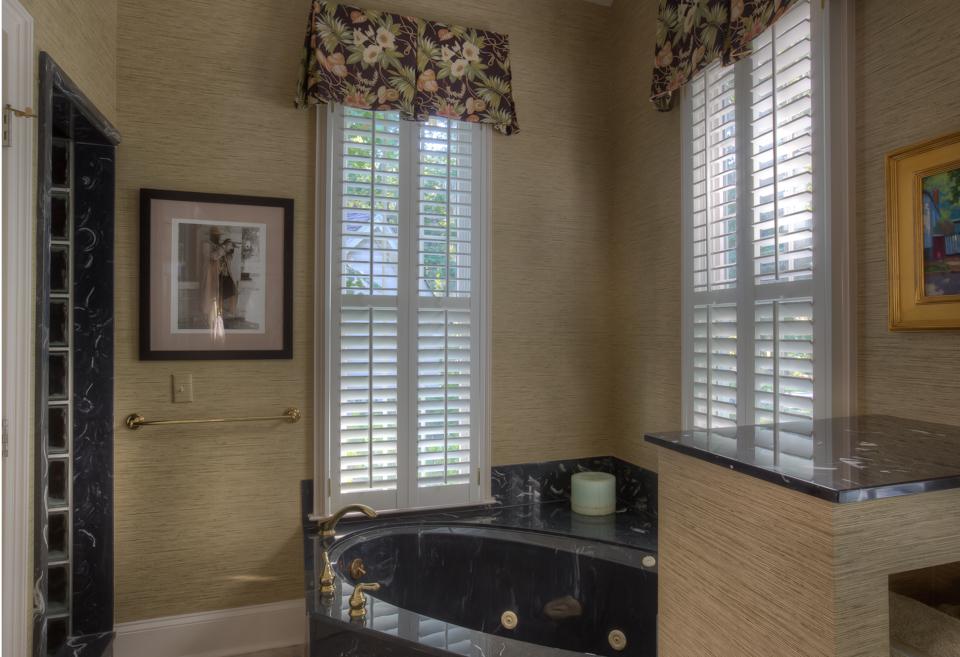 downstairs-bathroom-tub-PS1.jpg