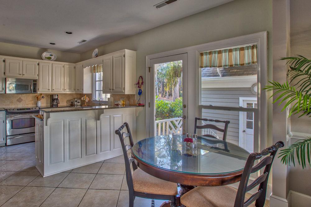 kitchen-sitting.jpg