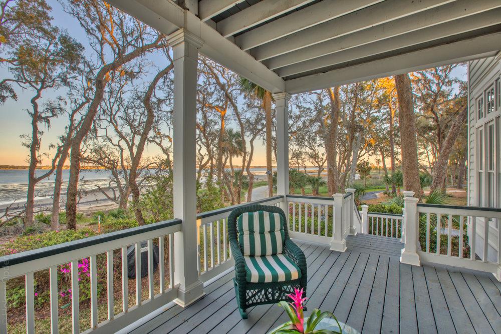 living-porch-right.jpg