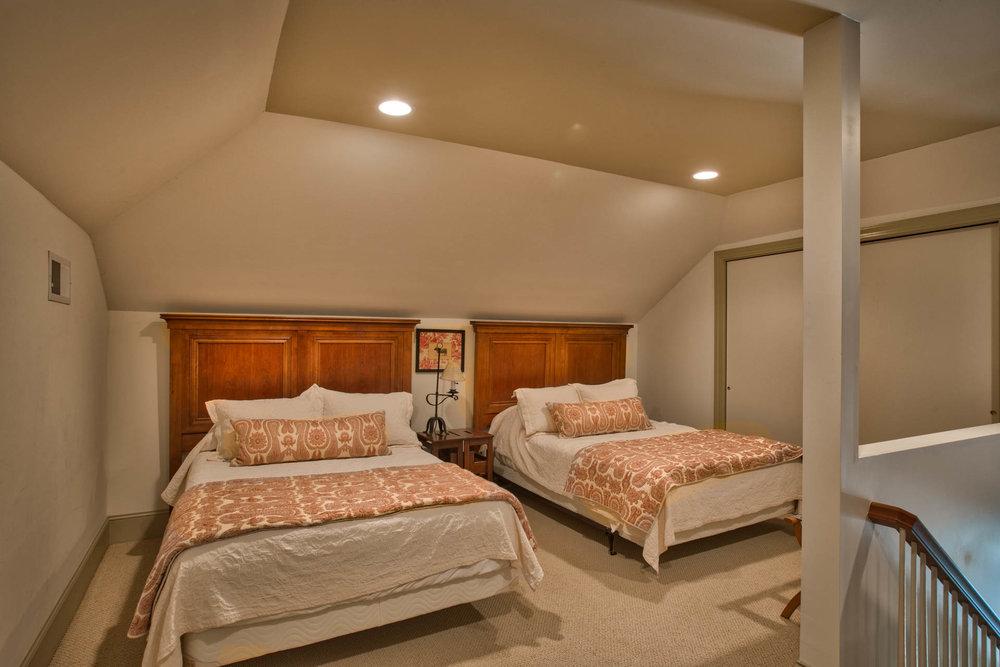 bedroom-loft.jpg