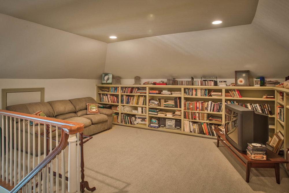 bedroom-loft-tv.jpg