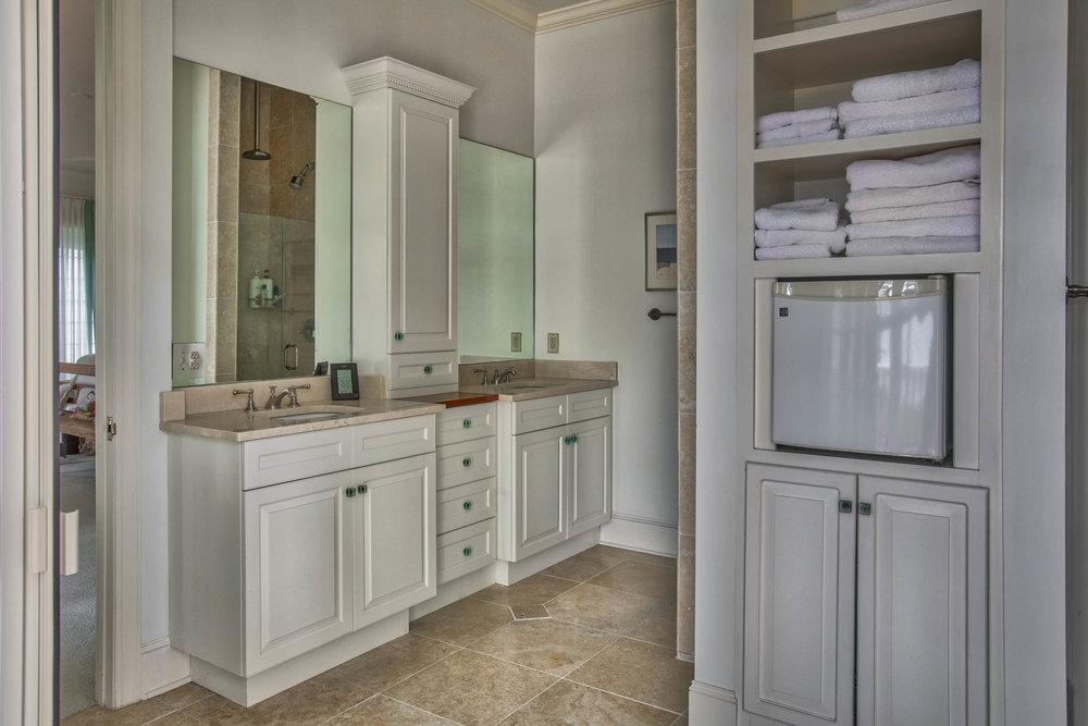 bedroom-master-bath-sink.jpg