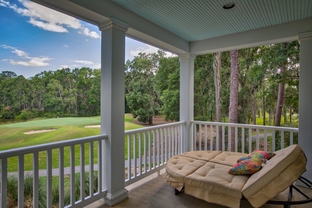 balcony-lounge-L.jpg