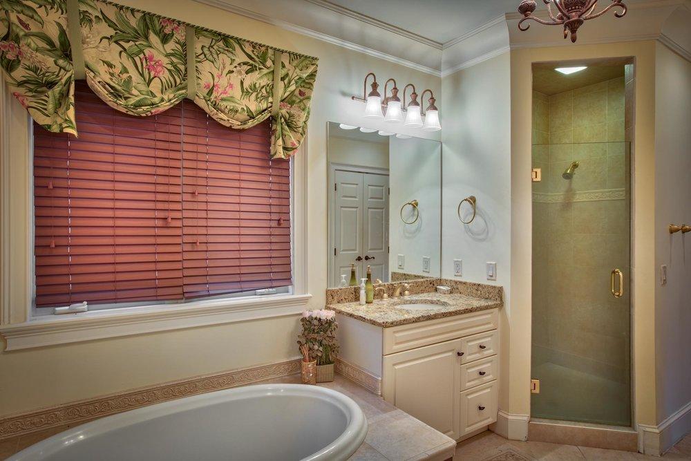 bedroom-master-bath-L.jpg