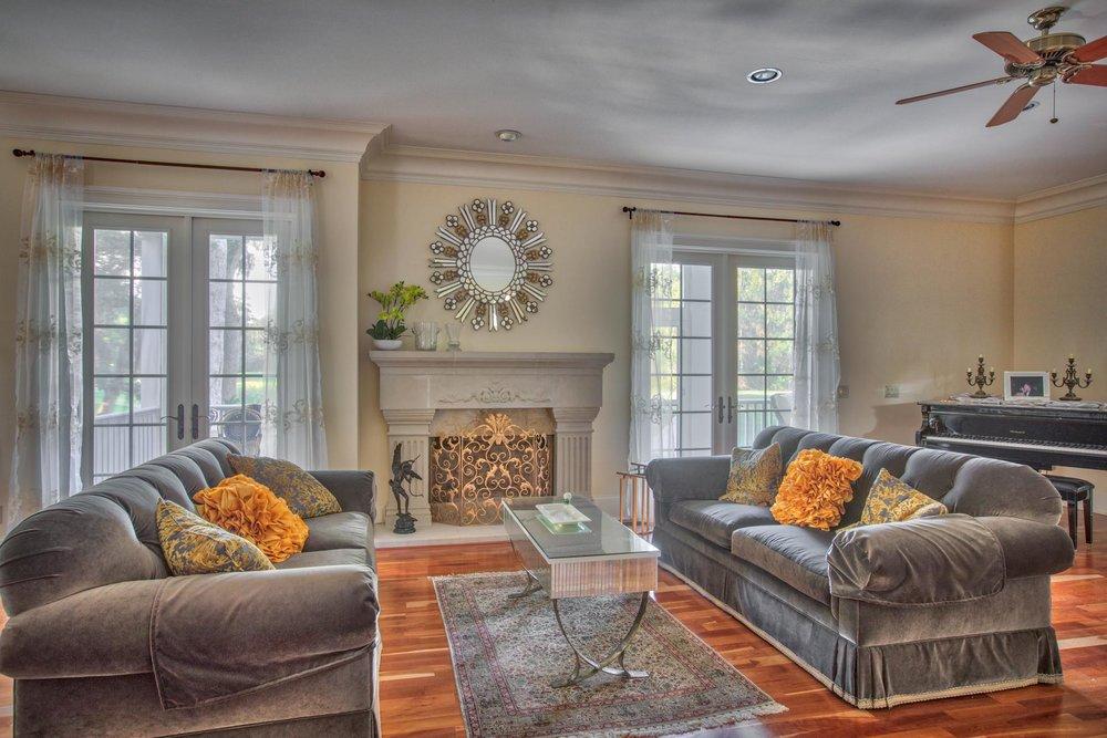 living-rrom-fireplace.jpg