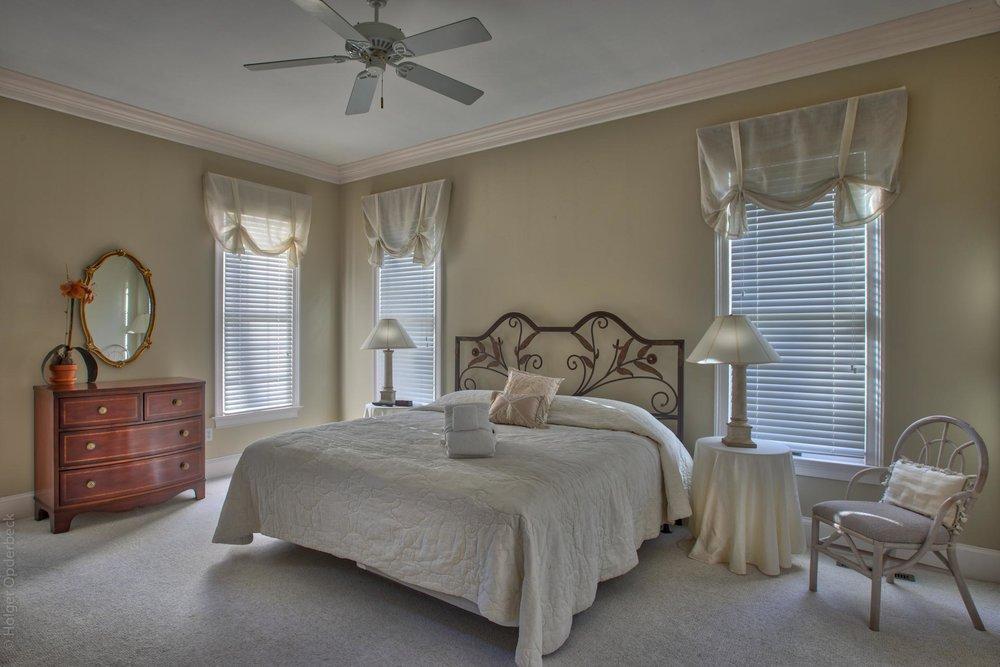 bedroom-one-n.jpg