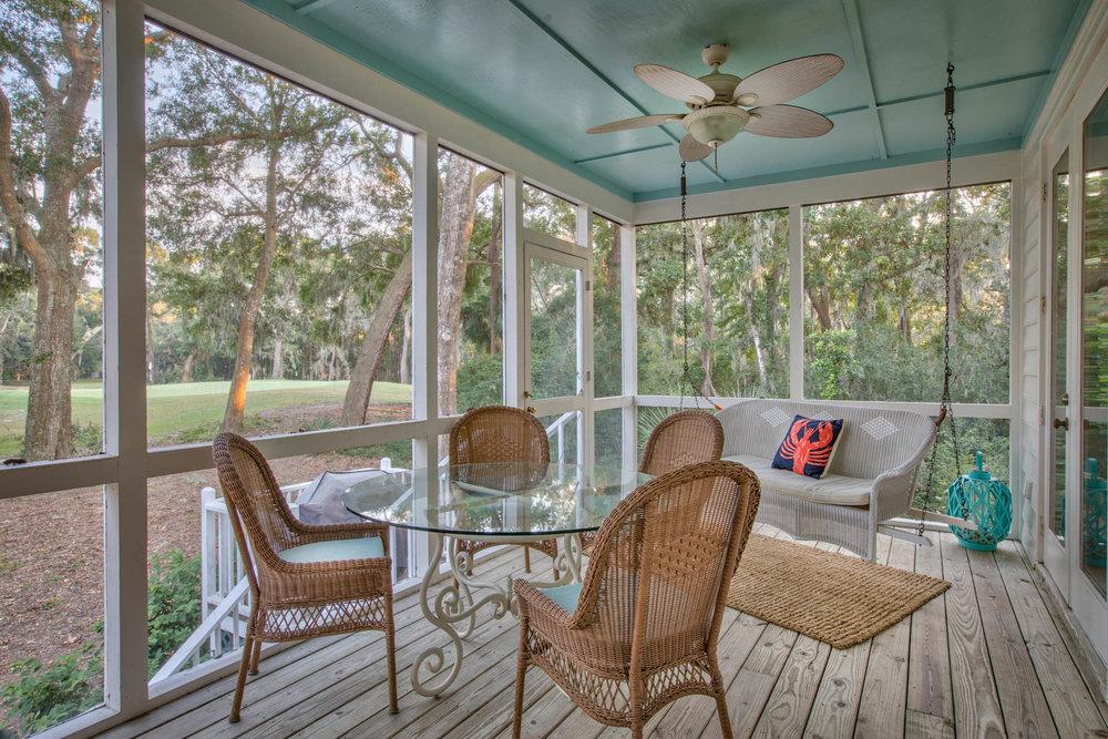 porch-right.jpg