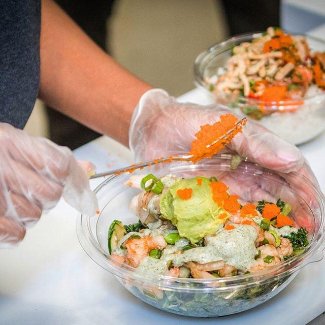Craving a #humpdaytreat ? Come grab a bowl 🤙🏼 . . . . . . #dothehokepoke #hokepoke #pokebowlgoals #pokebowl #dtlafoodie #dtlalove #foodies #foodstagram #sushilover #spicytuna #salmonpoke #lafoodie #foodporn #foodbeast #foodstagram #yelpla #dinela #eaterla #laeater #healthyeats #mealprep #foodbeast #postmates #nohoartsdistrict #northhollywood #lafoodie #labites #vegan #yogisofinstagram