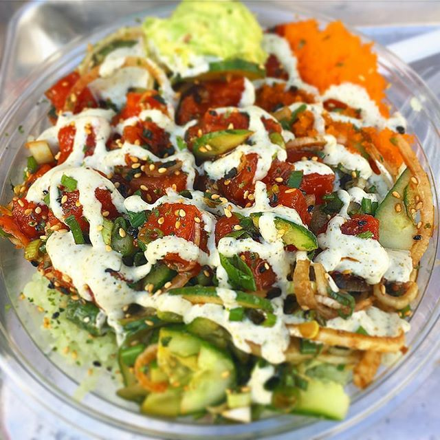 Soon to be #foodbaby 🤰🏻with the one and only #hokepoke . . . . . . #dothehokepoke #hokepoke #pokebowlgoals #pokebowl #dtlafoodie #dtlalove #foodies #foodstagram #sushilover #spicytuna #salmonpoke #lafoodie #foodporn #foodbeast #foodstagram #yelpla #dinela #eaterla #laeater #healthyeats #mealprep #foodbeast #postmates #nohoartsdistrict #northhollywood #lafoodie #labites #vegan #yogisofinstagram