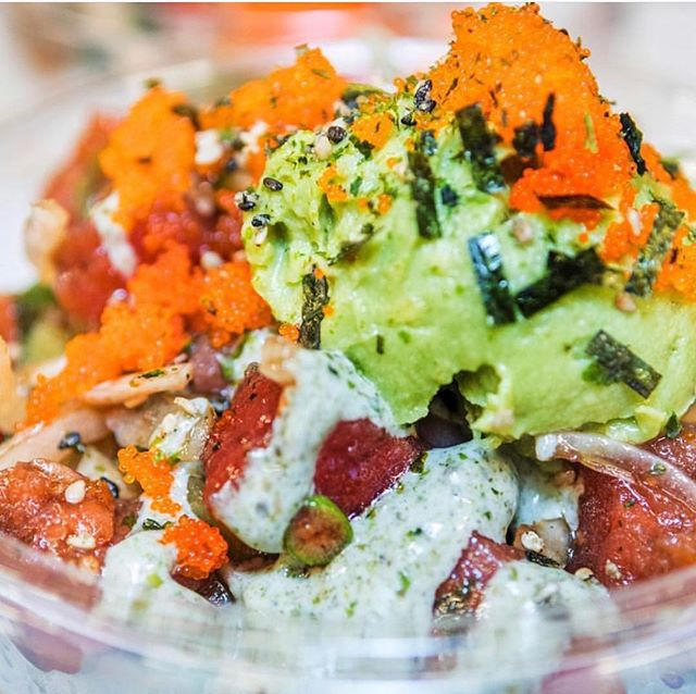 Up close and personal #humpday action! If you're in the #noho area come #treatyoself 🙌🏼 . . . . . . #dothehokepoke #hokepoke #pokebowlgoals #pokebowl #dtlafoodie #dtlalove #foodies #foodstagram #sushilover #spicytuna #salmonpoke #lafoodie #foodporn #foodbeast #foodstagram #yelpla #dinela #eaterla #laeater #healthyeats #mealprep #foodbeast #postmates #nohoartsdistrict #northhollywood #lafoodie #labites #vegan #yogisofinstagram