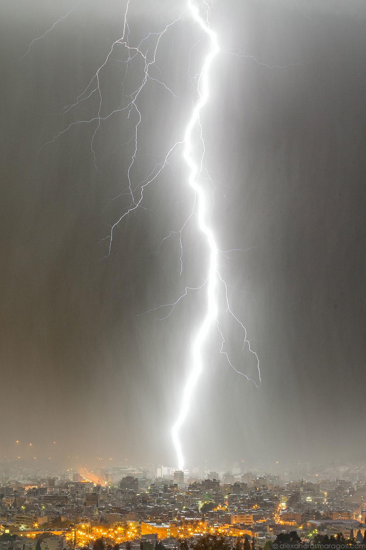 Lightning Strike Wallpaper   © Alexandros Maragos