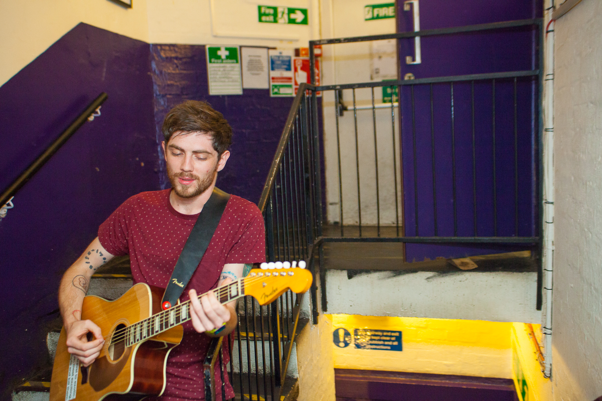 Twin Atlantic - That gent McTrusty backstage at Tuts
