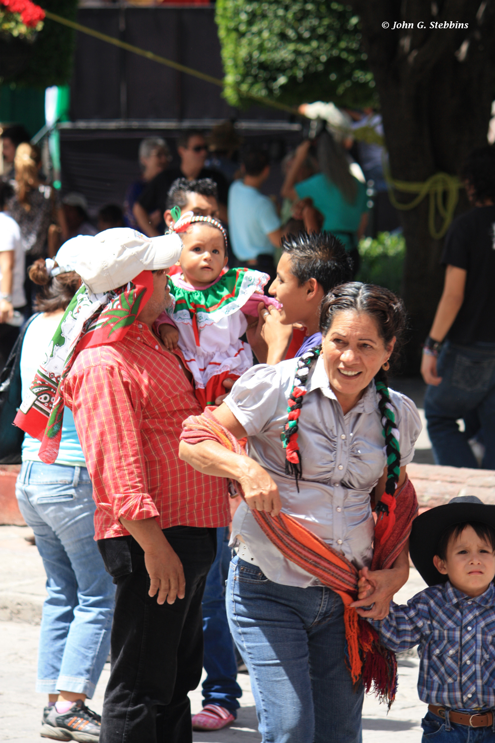 In San Miguel, families (and even the occasional pet) were decked out in the colors of the Mexican flag.