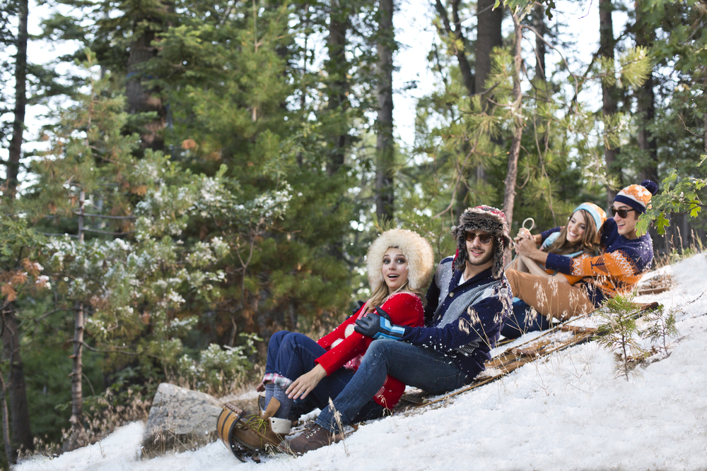 GROUP_SLEDDING_SIDE.jpg
