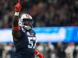 Auburn linebacker Deshaun Davis and the Tigers defense face a stern test versus Washington (Photo, The Auburn Plainsman).