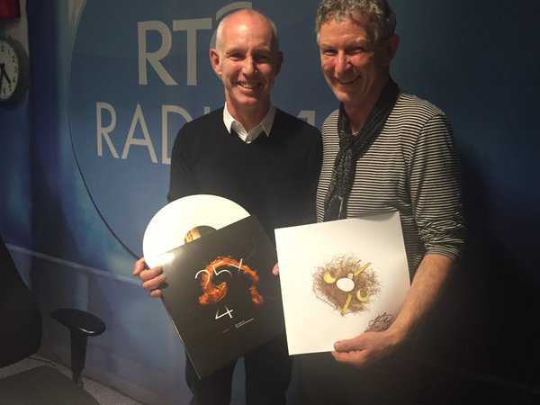Ray D'Arcy and Chef Kevin Thornton pictures with '25x4 - Autumn'