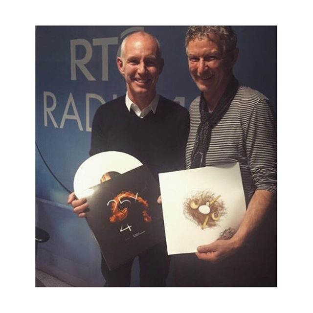 #fbf When Kevin joined Ray D'Arcy on @rteradio1 to discuss the Vinyl Album 25x4 - Autumn.  @kevinthornton5 #25x4 #autumn #vinyl #album #spokenword #rte #radio #raydarcy #raydarcyshow #vinylalbum #gatefold