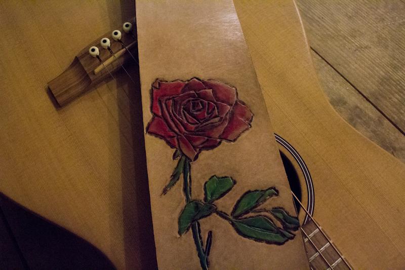 red-rose-guitar-strap-2.jpg