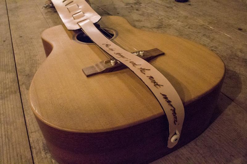 red-rose-guitar-strap-3.jpg