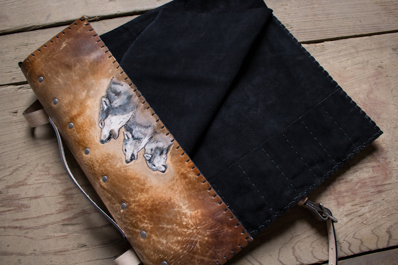 wolves-howling-leather-knife-roll-7.jpg