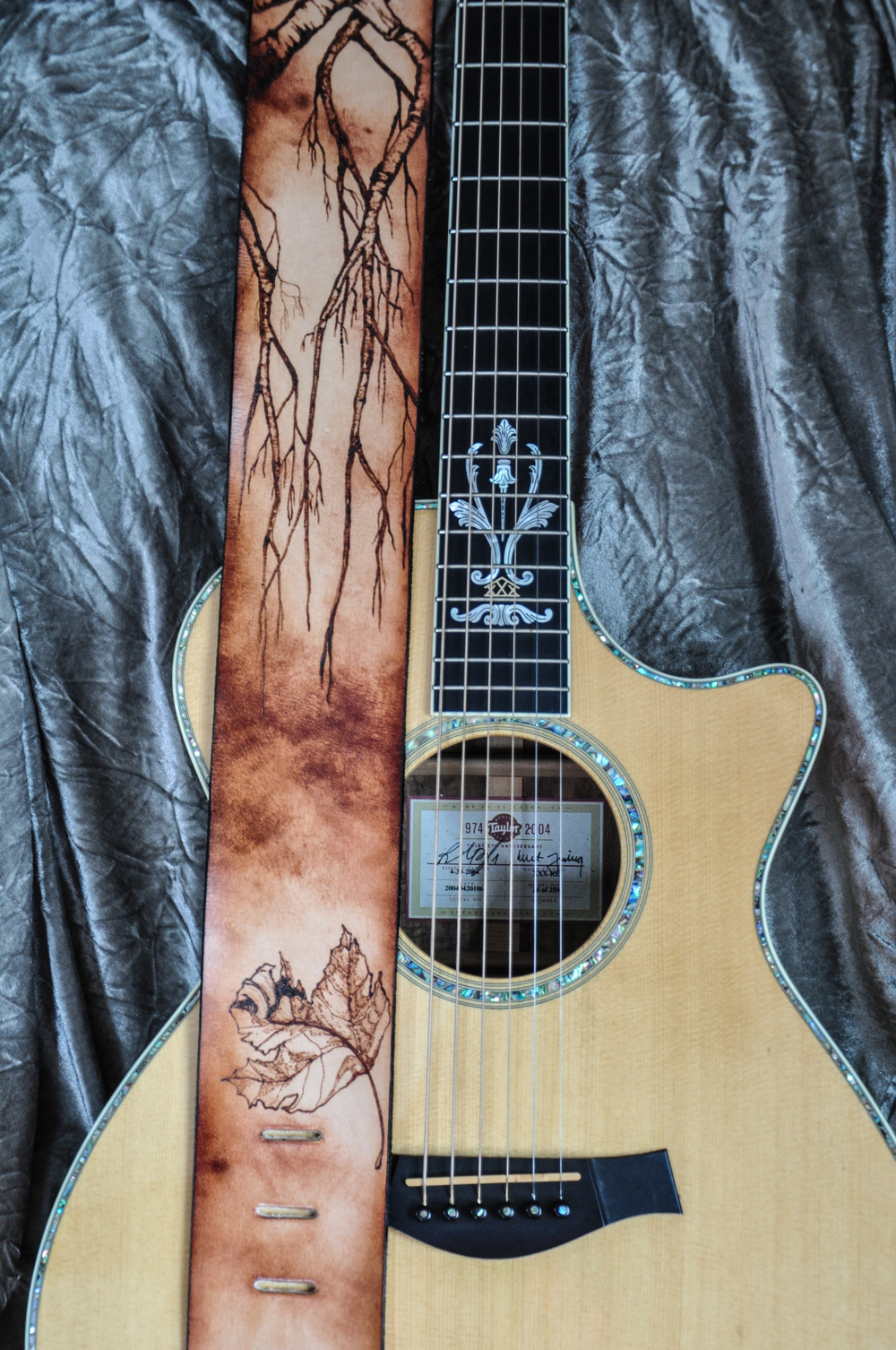 pyrography-tree-and-leaf-guitar-strap-1060.jpg