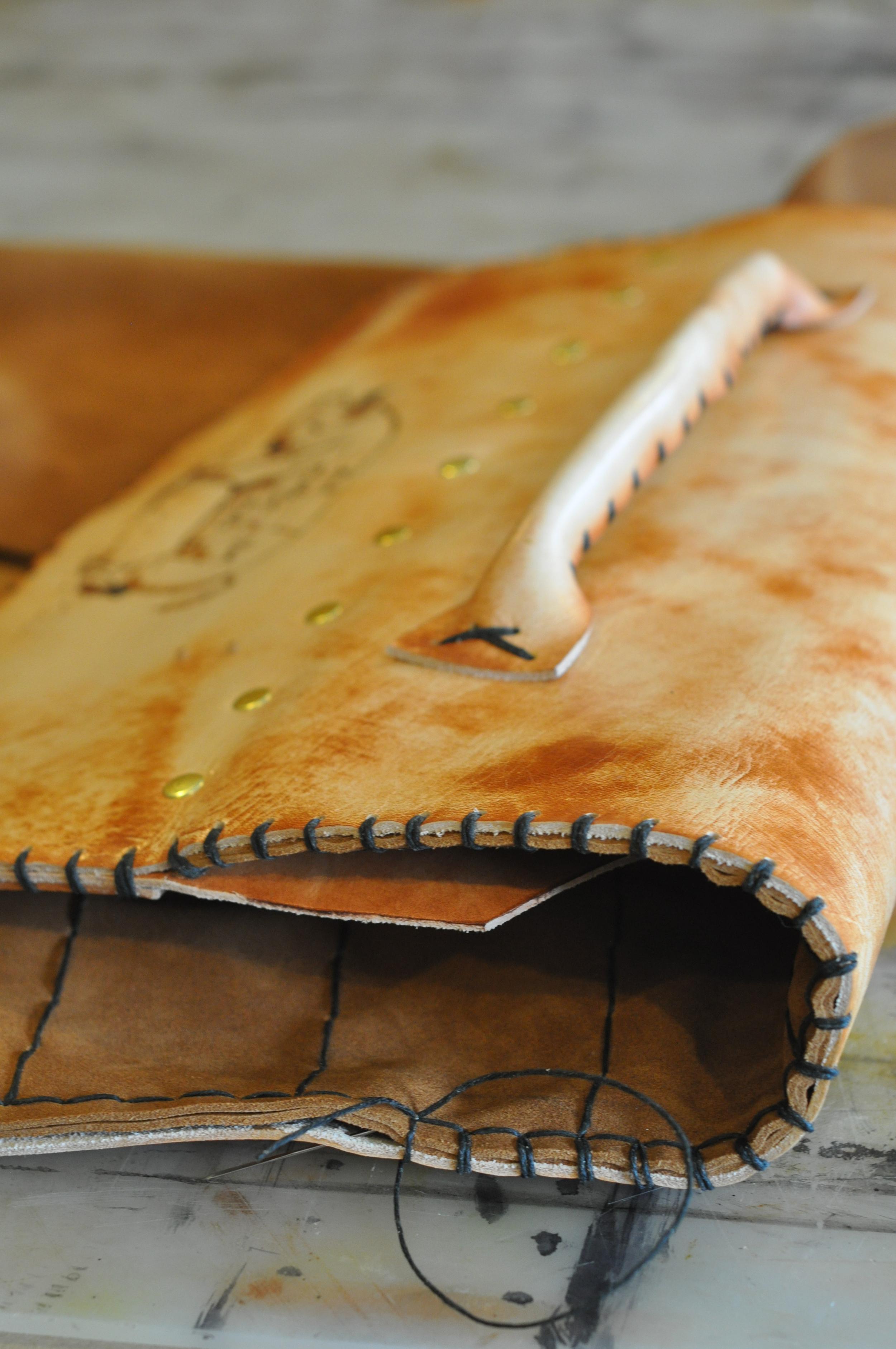 custom leather knife roll