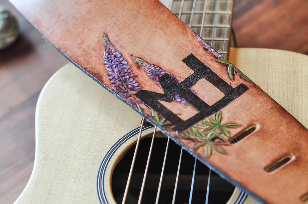 teton-mountains-and-horse-guitar-strap-14.jpg