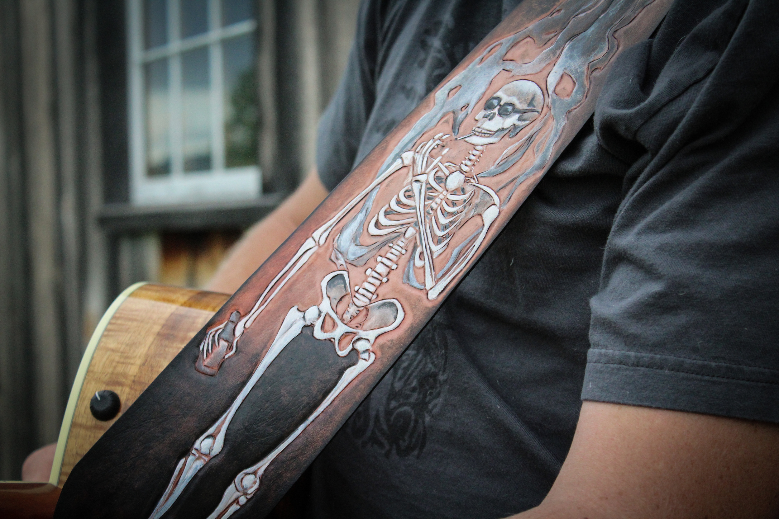 Skeleton guitar strap