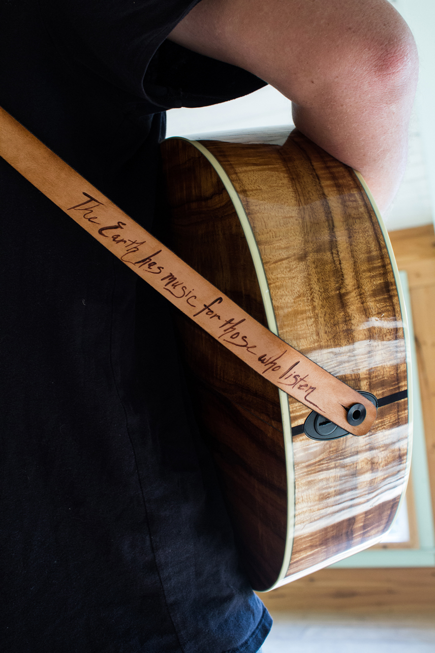 Custom leather starling guitar strap