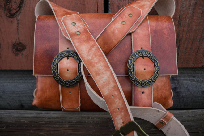 Leather Messenger Bag with vintage buckles-4