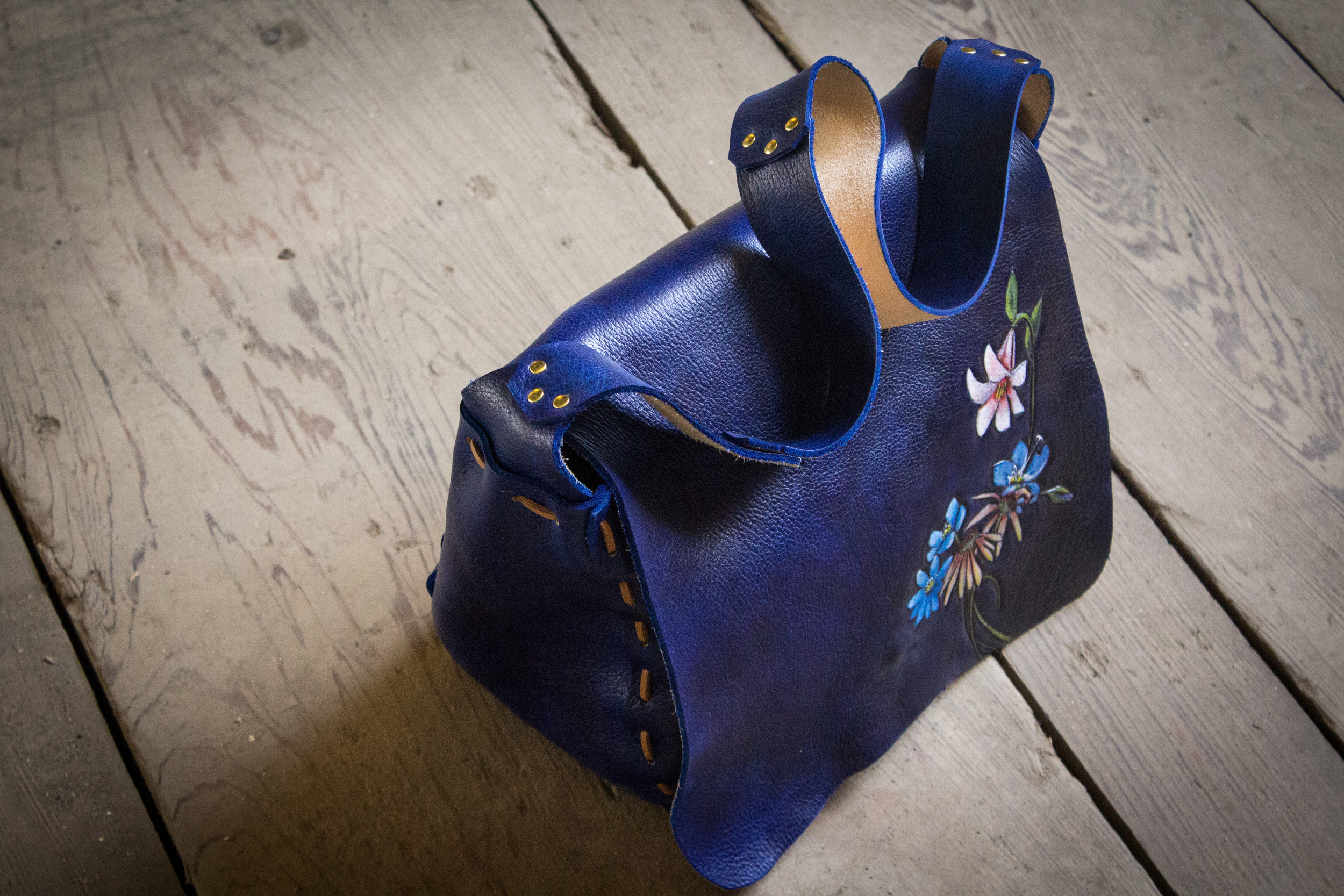 Blue Leather Tote Bag with flowers-11