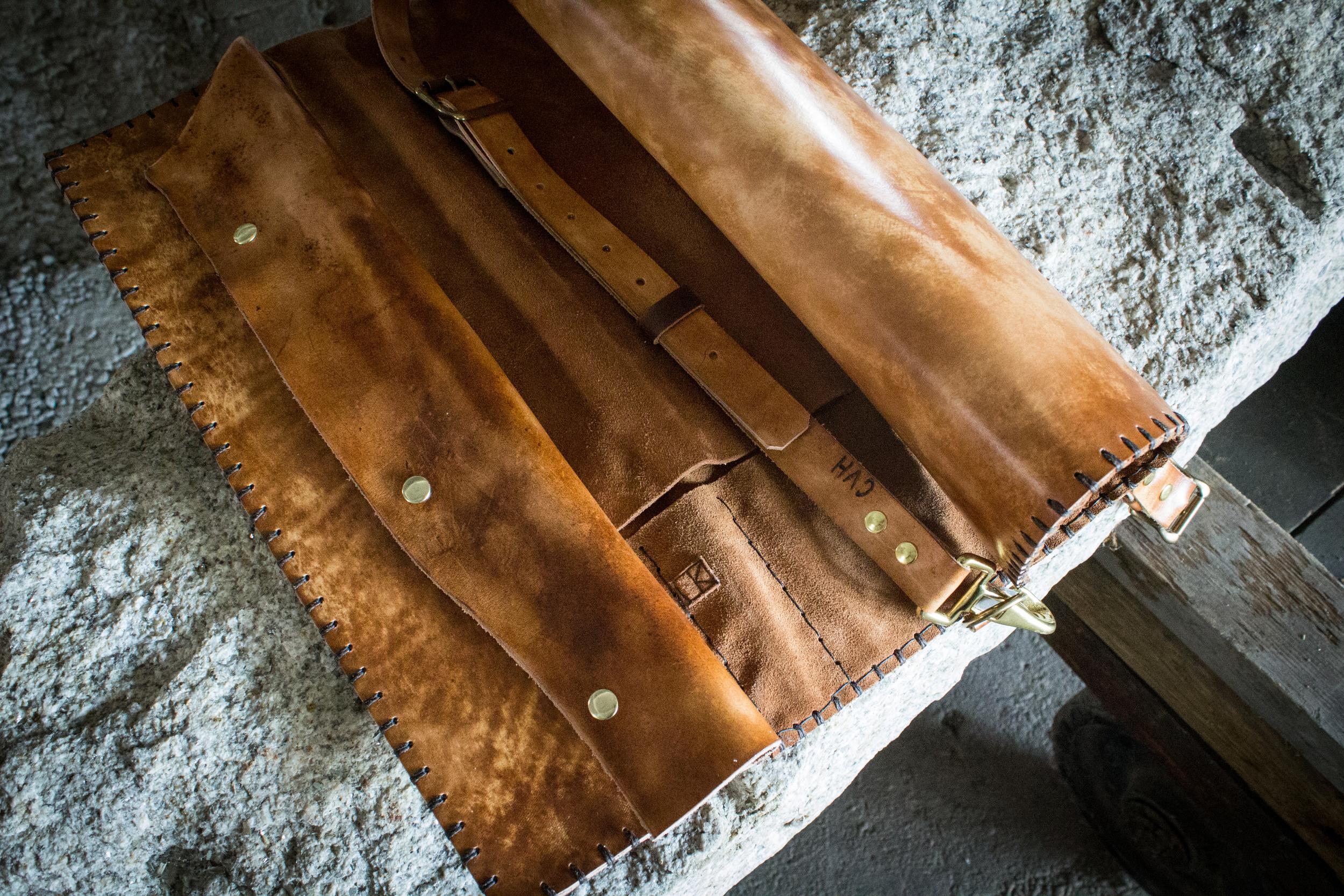 Longhorn bull leather knife roll-9