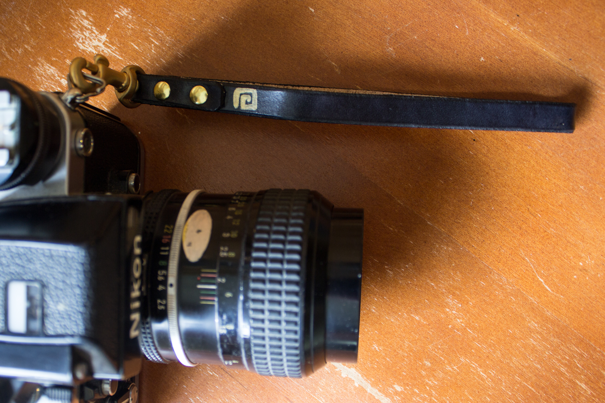 leather camera strap for wrist and neck