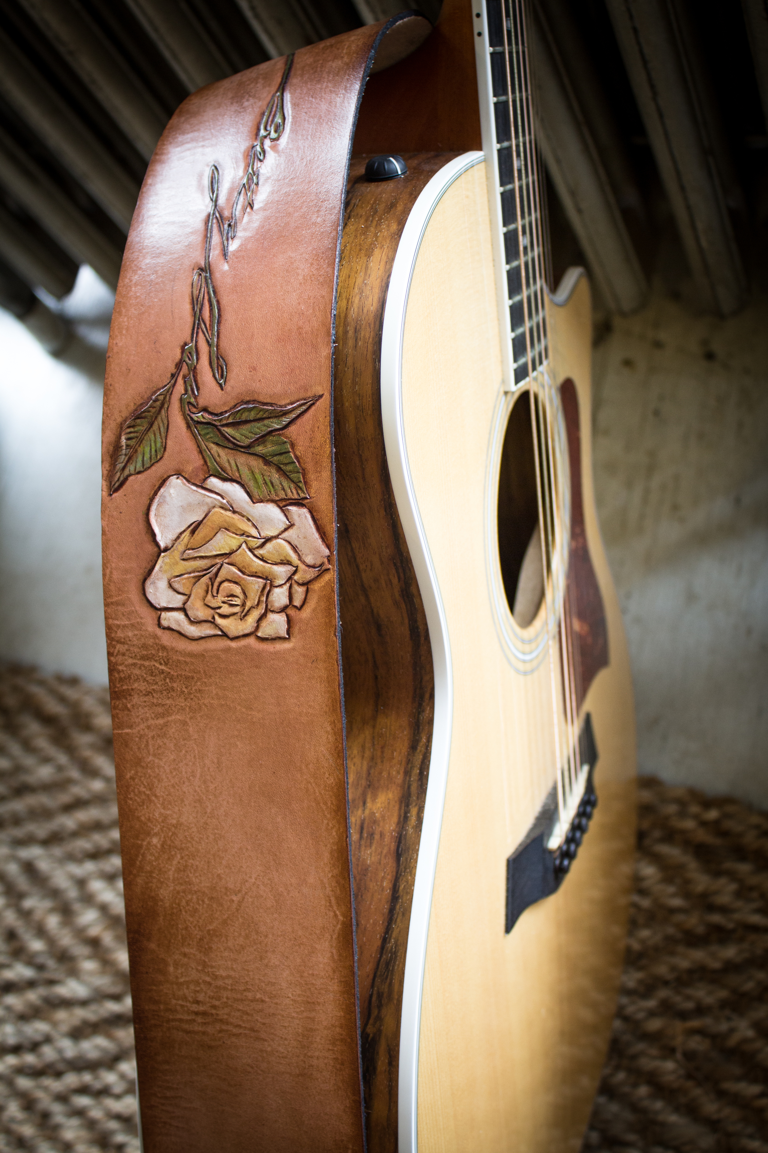 Rose custom leather guitar strap-3