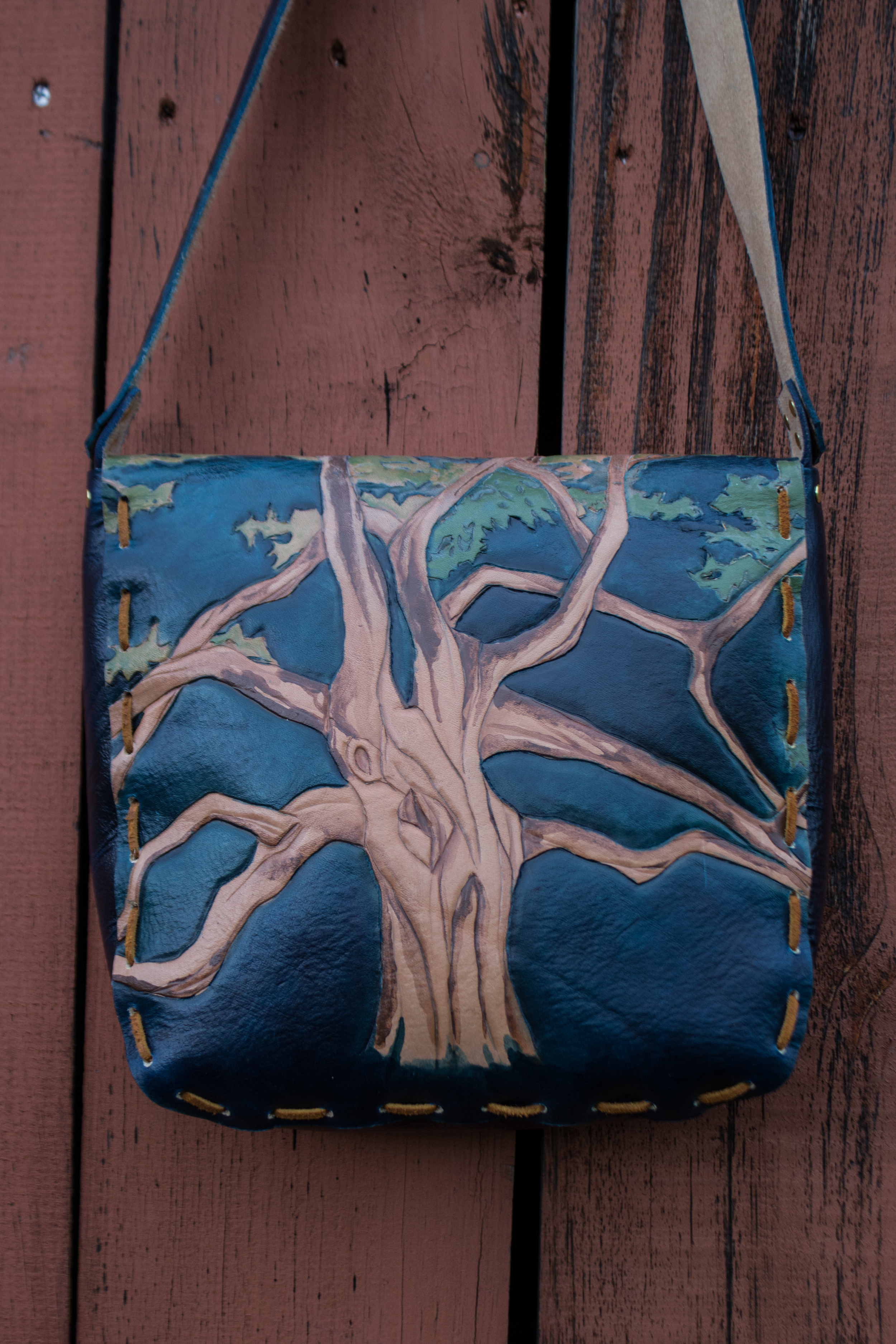 blue leather bag Oak Tree with leaves_-11