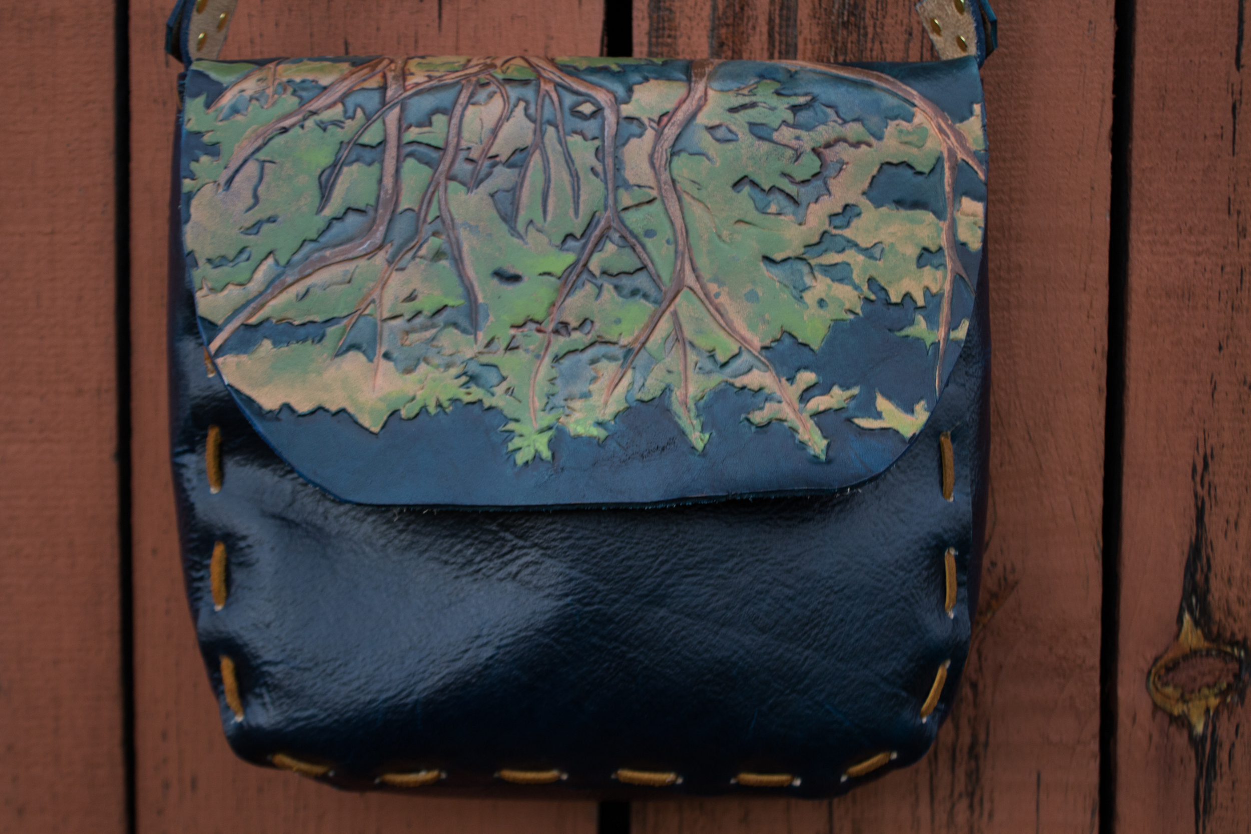 blue leather bag Oak Tree with leaves_-15