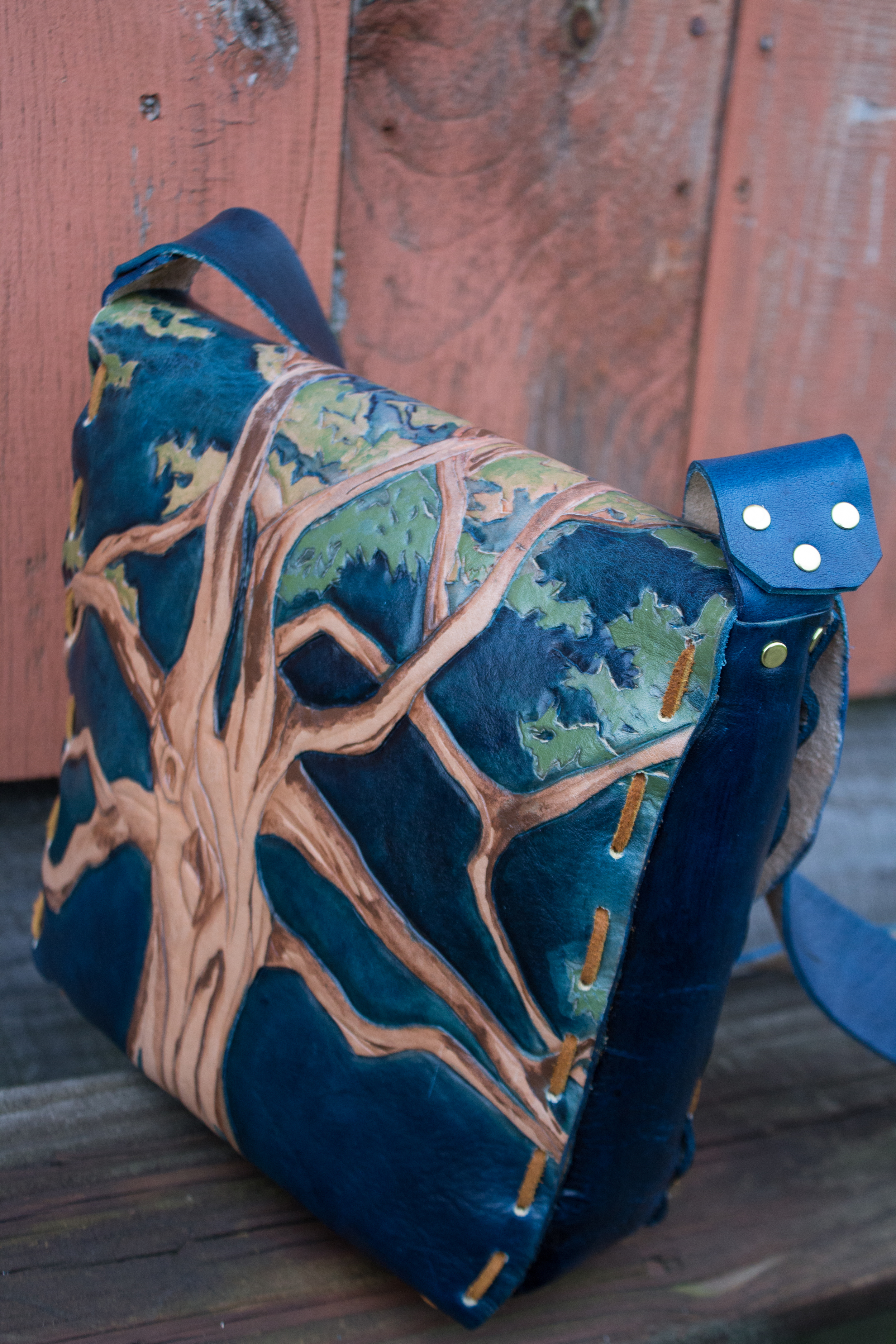 blue leather bag Oak Tree with leaves_-9