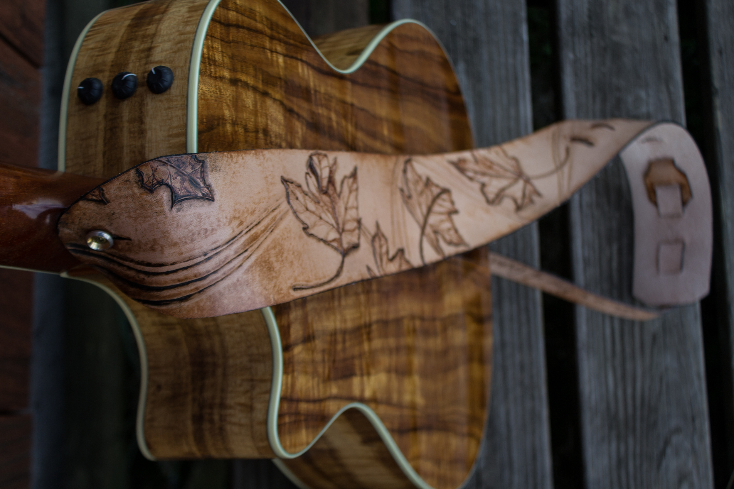 custom guitar strap Burnt maple leaves_-10