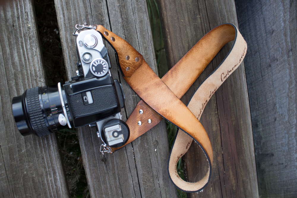 leather-suspender-style-camera-strap-12.jpg